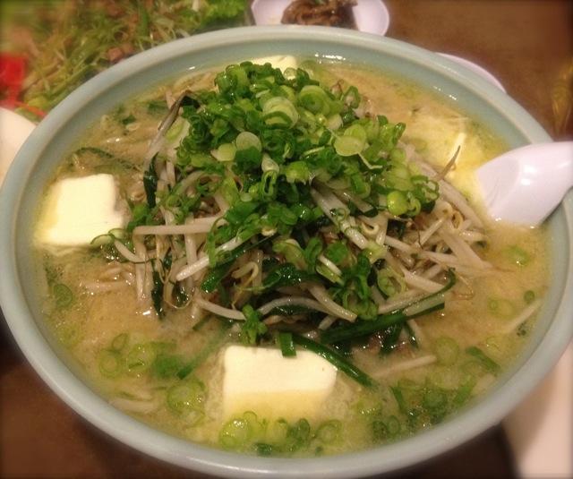 ニラもやし味噌ラーメン(バタートッピング)Ramen Nippon