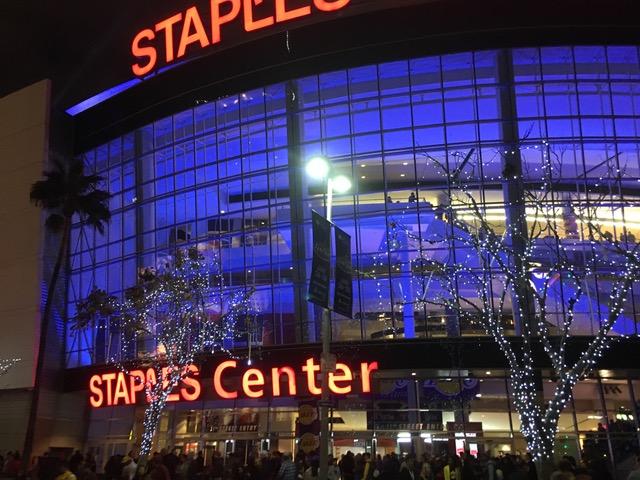 2017年の元日はステイプルズ・センターで〜LA・レイカーズ観戦!