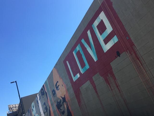 LAX付近の壁画