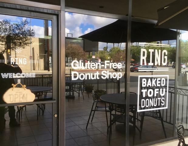ベイクド・トーフ・ドーナツ〜RING Baked Tofu Donuts