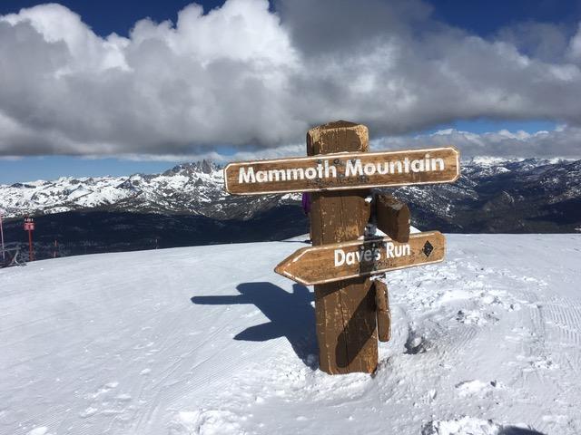 ハイシエラ、マンモス山頂はいまだ冬景色・・